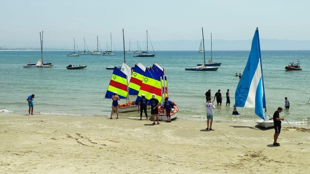 שייטים צעירים נערכים למשט בחוף השקט - 20 שנה לאיתור שרידי הדקר - הטקס בחיפה - 31/5/19 (צילום: מנדי שפונד)