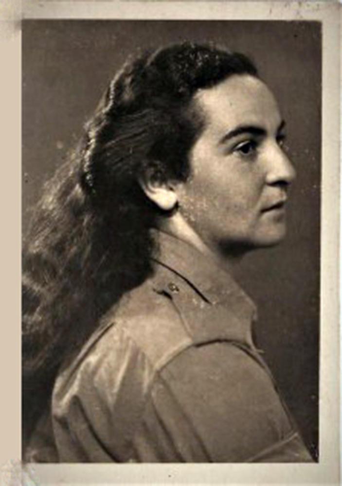 """רחל חנן במדי הפלמ""""ח - 1948 (צילום: אלבום אישי)"""