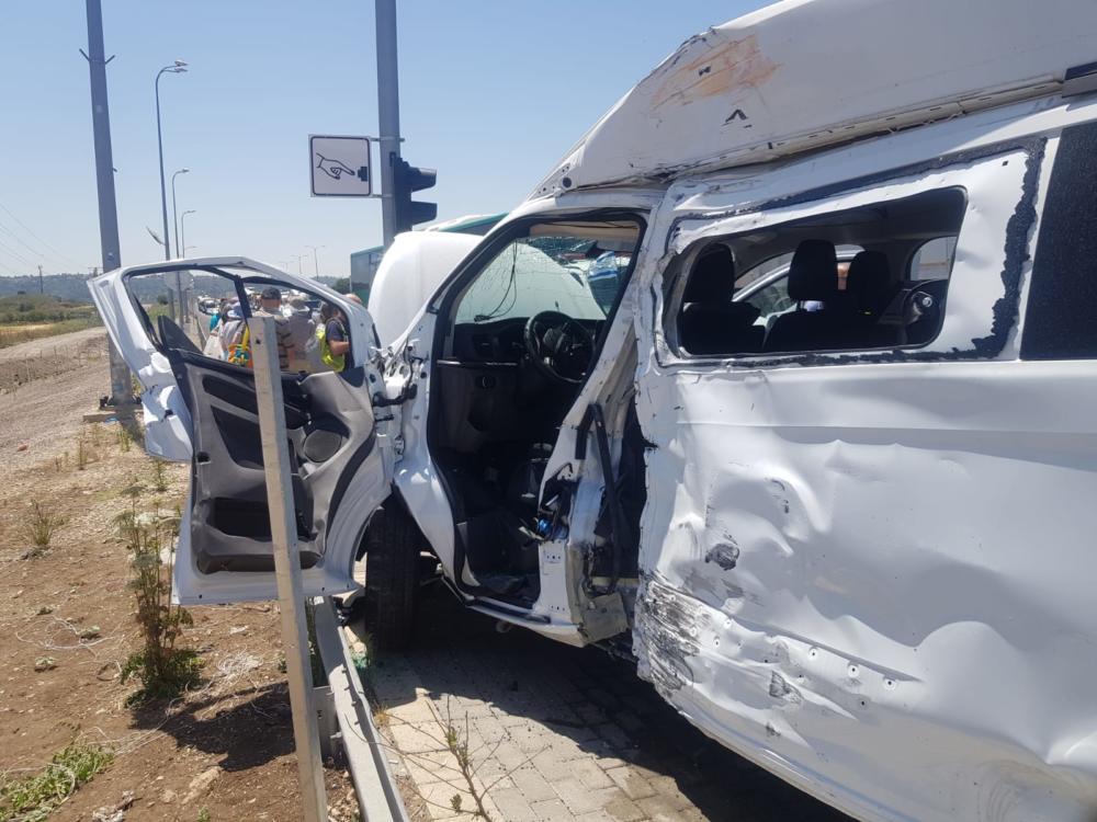 """תאונת דרכים (צילום: כב""""ה מחוז חוף)"""