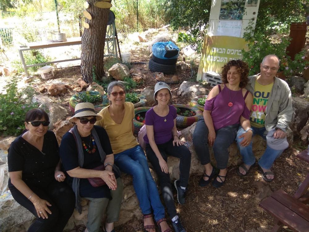 הליכות ג'יין בגינת השבשבת - הגינה הקהילתית בנווה שאנן, חיפה (צילום: פנינה מדן)