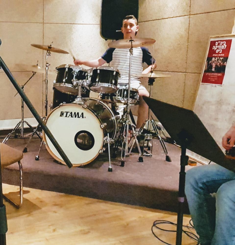 תומר גייגר, מתופף, להקת קצר חיפה (צילום: אלבום פרטי)