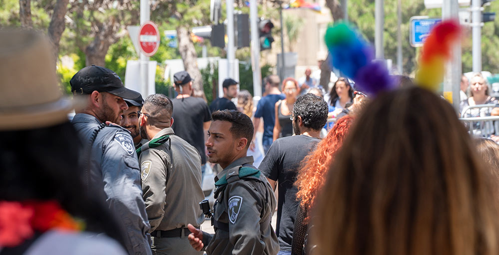 אבטחה כבדה במצעד הגאווה בחיפה (צילום: ירון כרמי)