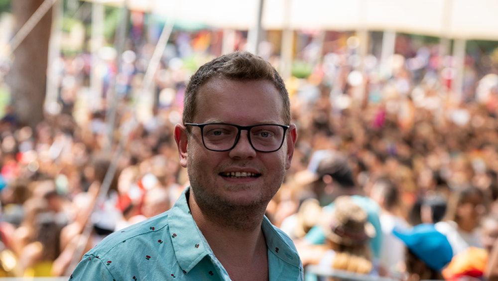 יבגני זרובינסקי במצעד הגאווה בחיפה (צילום: ירון כרמי)