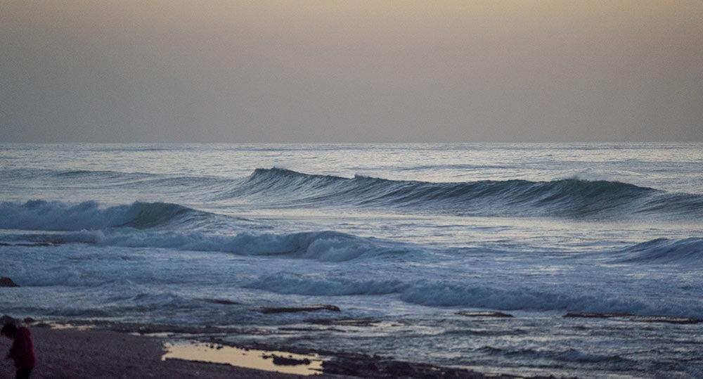ים סוער בחיפה (צילום: ירון כרמי)