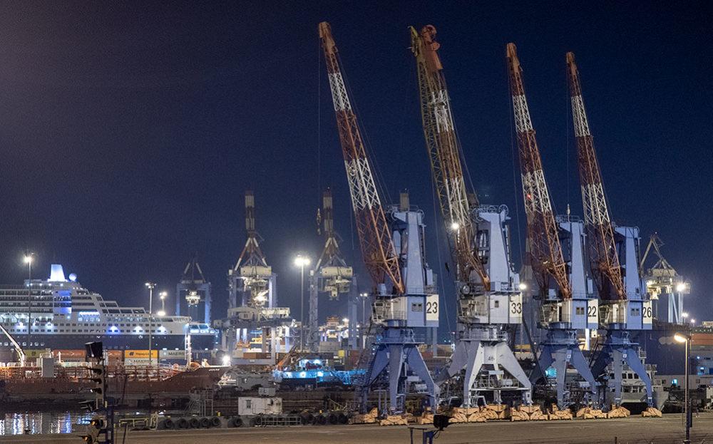 נמל חיפה (צילום: ירון כרמי)