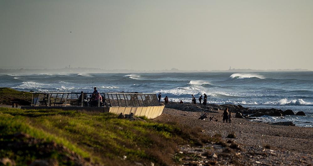 ים סוער בחיפה - מבט מטיילת הכט (צילום: ירון כרמי)