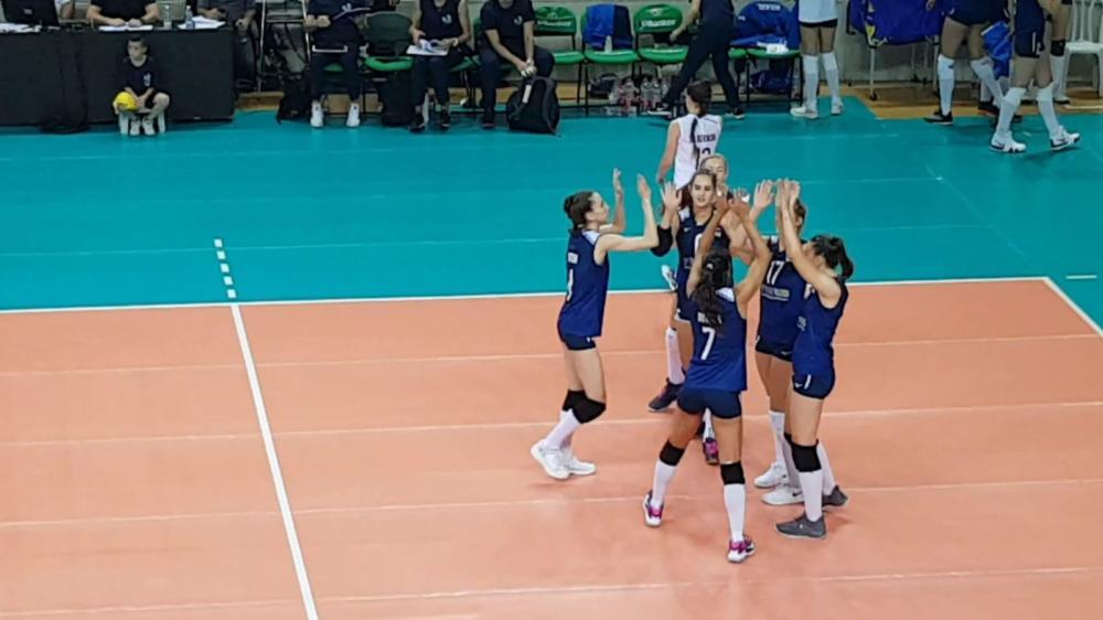 נבחרת ישראל חוגגת נקודה מול רומניה (צילום: בן סער)