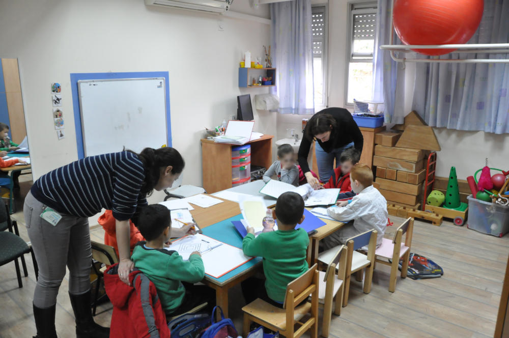 סדנת הכנה לכיתה א' במרפאת כללית (צילום: צבי מינקוביץ).