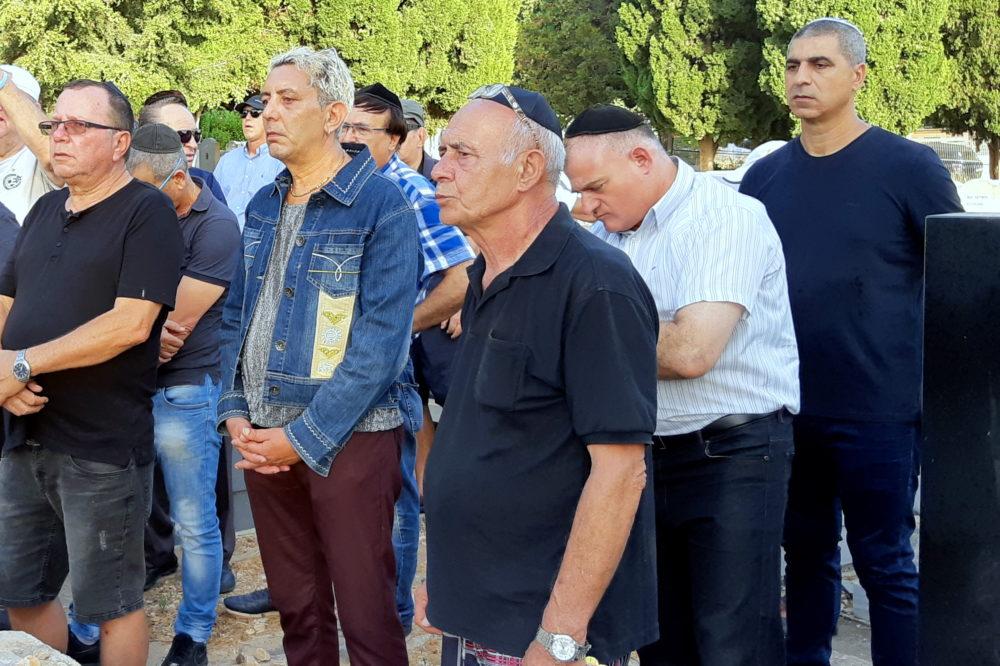 """אזכרה במלאת 32 שנים לזכרו של השוער אבי רן ז""""ל, התקיימה בבית העלמין בחיפה (צילום: אדיר יזירף)"""