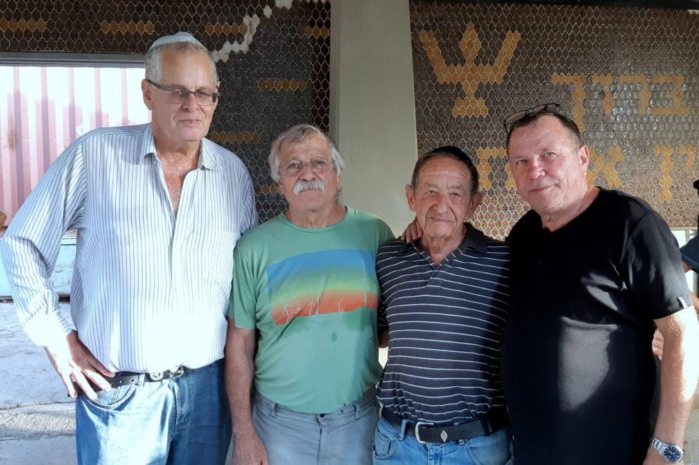 """באזכרה במלאת 32 שנים לזכרו של השוער אבי רן ז""""ל, התקיימה בבית העלמין בחיפה (צילום: אדיר יזירף)"""