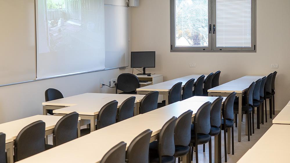 כיתת לימוד בקמפוס הנמל בחיפה - האוניברסיטה הפתוחה (צילום: ירון כרמי)