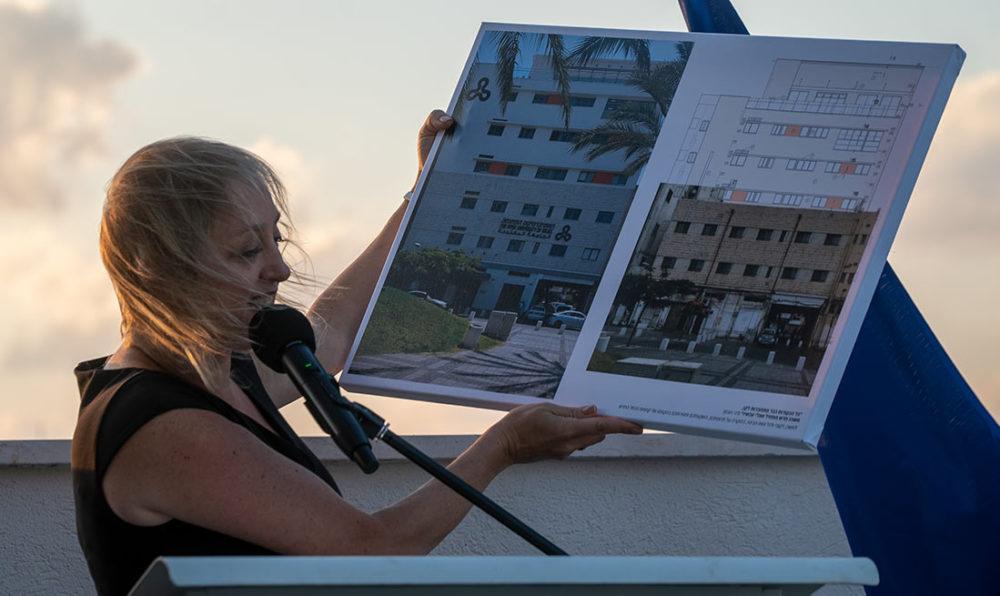 אסנת גץ בטקס פתיחת קמפוס הנמל בחיפה - האוניברסיטה הפתוחה (צילום: ירון כרמי)