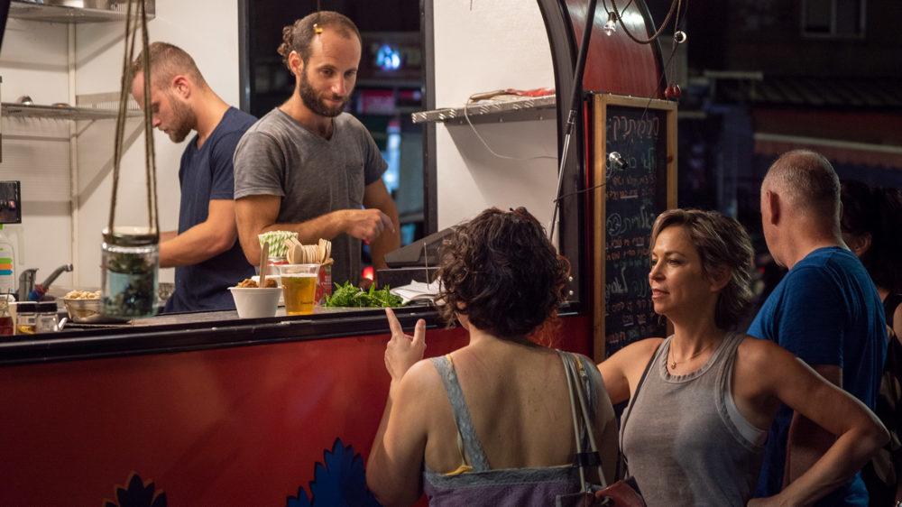 סלמתרק - דוכן מזון נייד - בסטה ביט בימי שלישי בחיפה • הטברנה בשוק תלפיות (צילום: ירון כרמי)