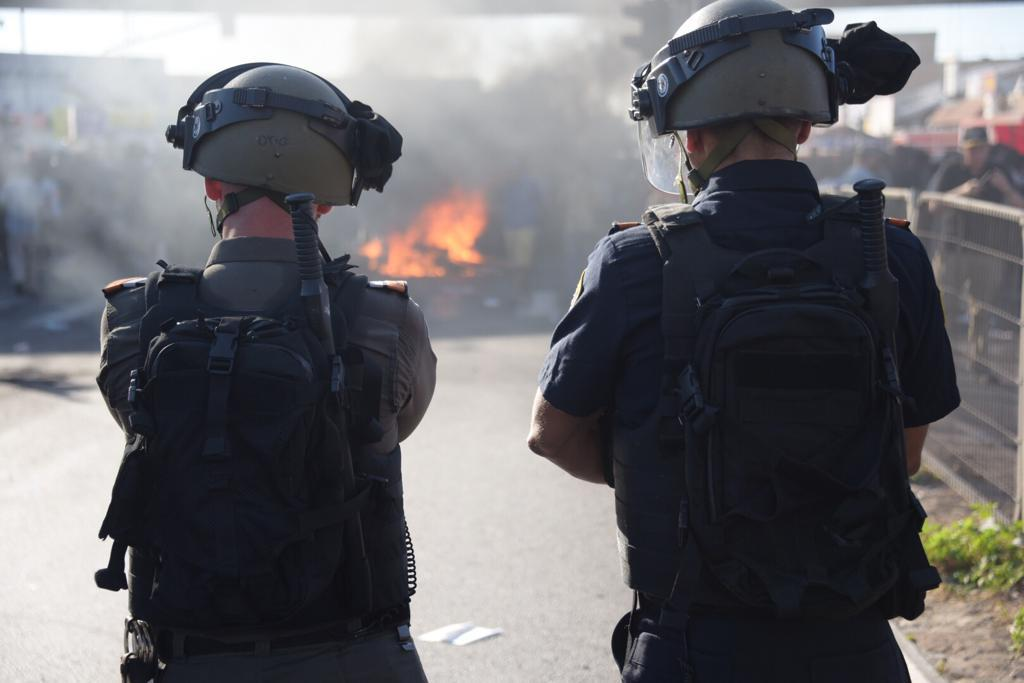 מהומות בקריות בעקבות הריגת הצעיר יוצא העדה האתיופית 2/7/19 (צילום: משטרת ישראל)
