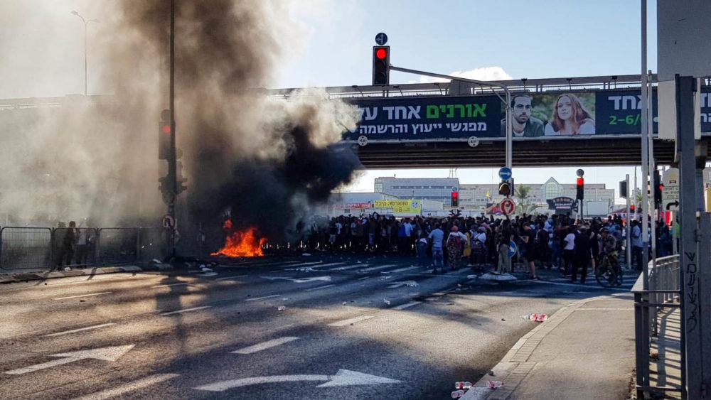 מהומות בקריות בעקבות הריגת הצעיר יוצא העדה האתיופית 2/7/19 (צילום: איחוד הצלה)