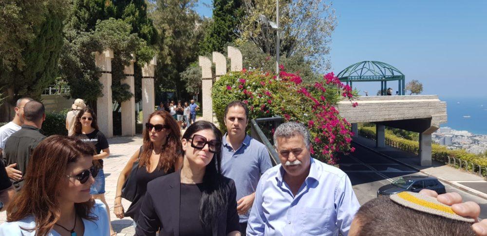 """ראשי """"העבודה-גשר"""" עמיר פרץ ואורלי לוי-אבקסיס וחברת הכנסת מרב מיכאלי (העבודה) בביקור בחיפה"""