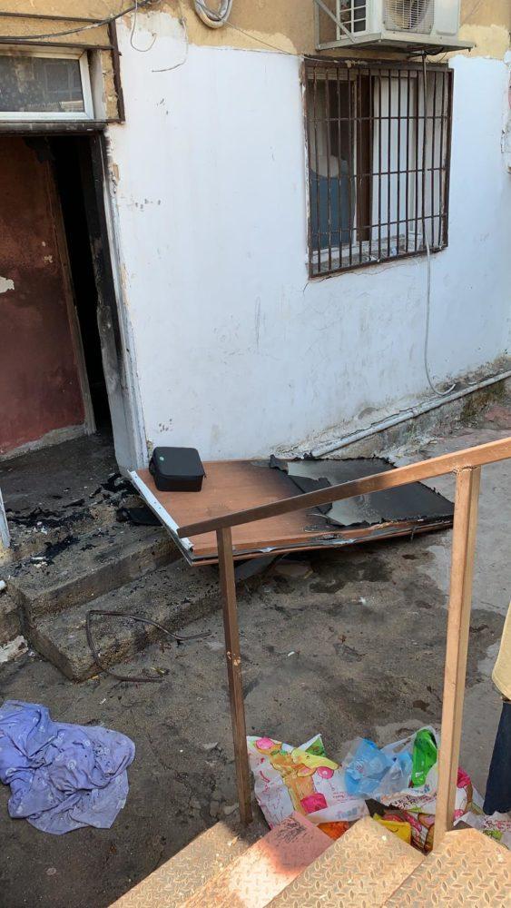 שריפה בדירה ברחוב מעלה השיחרור בחיפה • 2 נפגעים (צילום: משטרת ישראל)