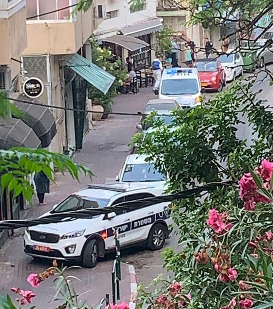 דקירה ברחוב מסדה בחיפה (צילום: איתמר זמיר)