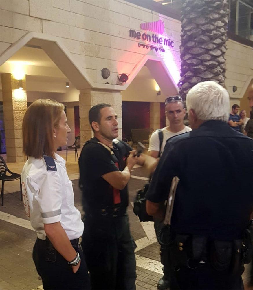 מבלים פונו מאולם במרכז הקונגרסים בשל פריקת מטף (צילום: לוחמי האש)