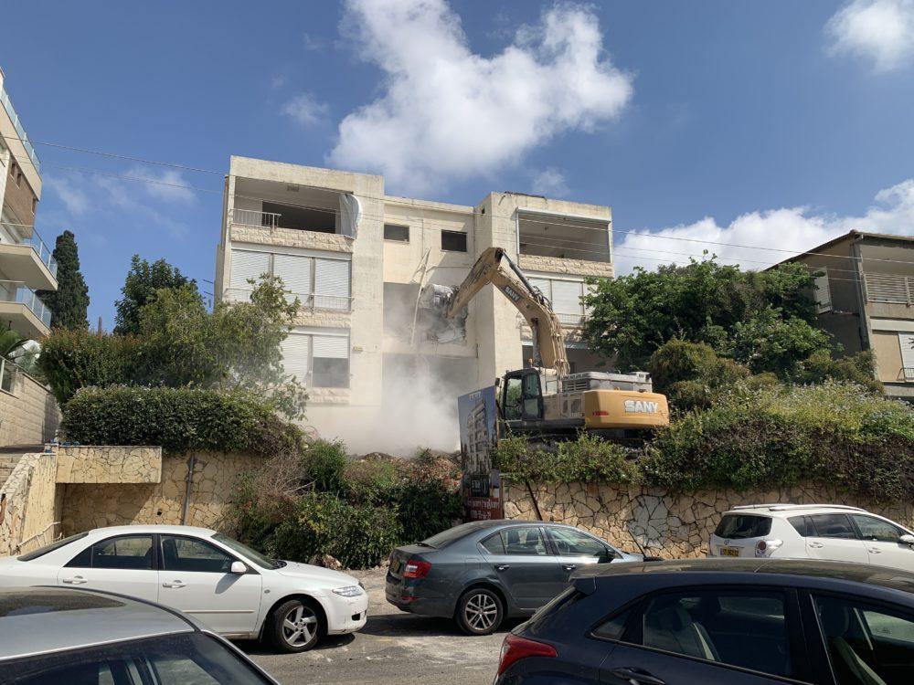 הריסת בנין אהוד 5 חיפה(צילום נגה כרמי)