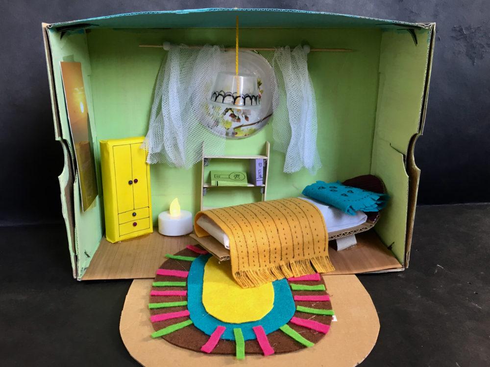 סדנת חדר מיניאטורי במרכז אמנויות (צילום: יעל גרוסמן ארזואן)