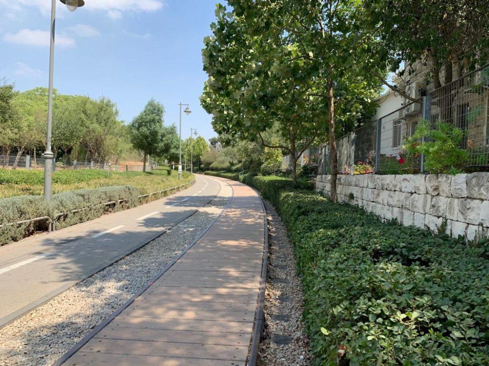 מפארק הרכבת בירושלים (צילום: גילה לבני זמיר)