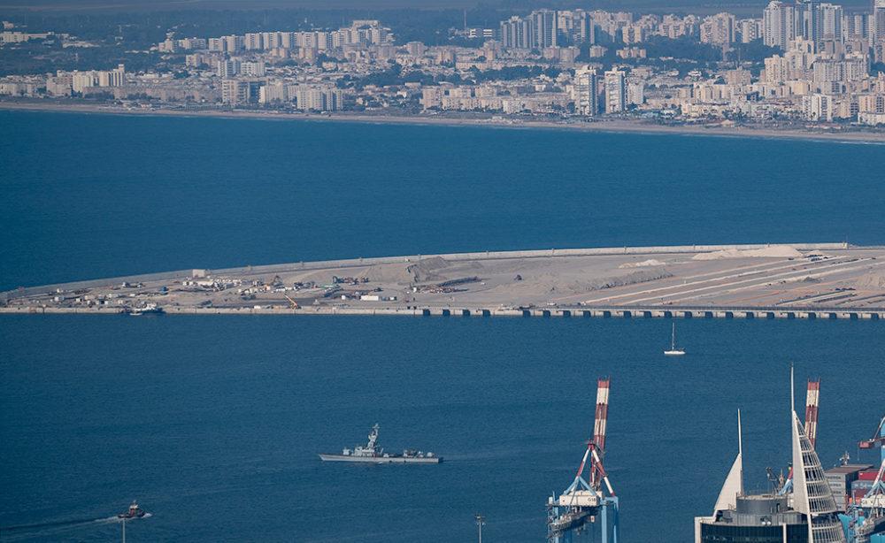 נמל המפרץ - עבודות עפר בקצה הצפון מערבי (צילום: ירון כרמי)