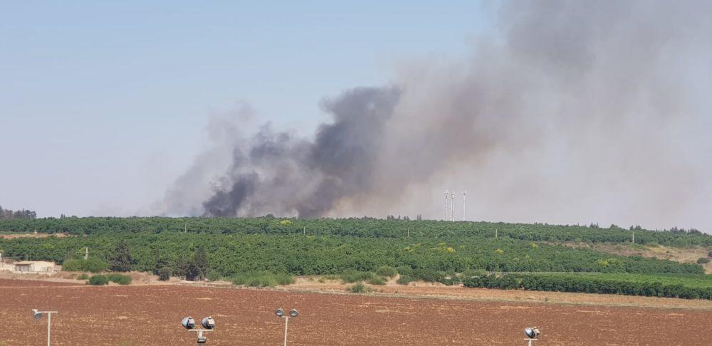 שריפה גדולה בשטח פתוח באזור גבעת טל משתוללת (צילום כבאות )