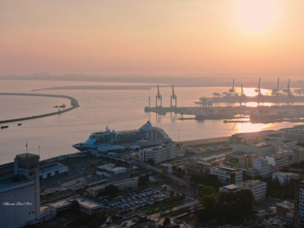 ספינת נוסעים בנמל חיפה (צילום: מרום בן אריה)