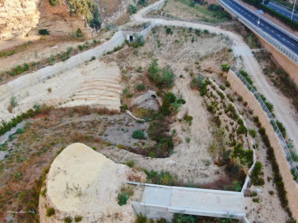 הפארק הנטוש - נחל הגיבורים בחיפה (צילום: מרום בן אריה - צילומי אוויר 054-869-4777)