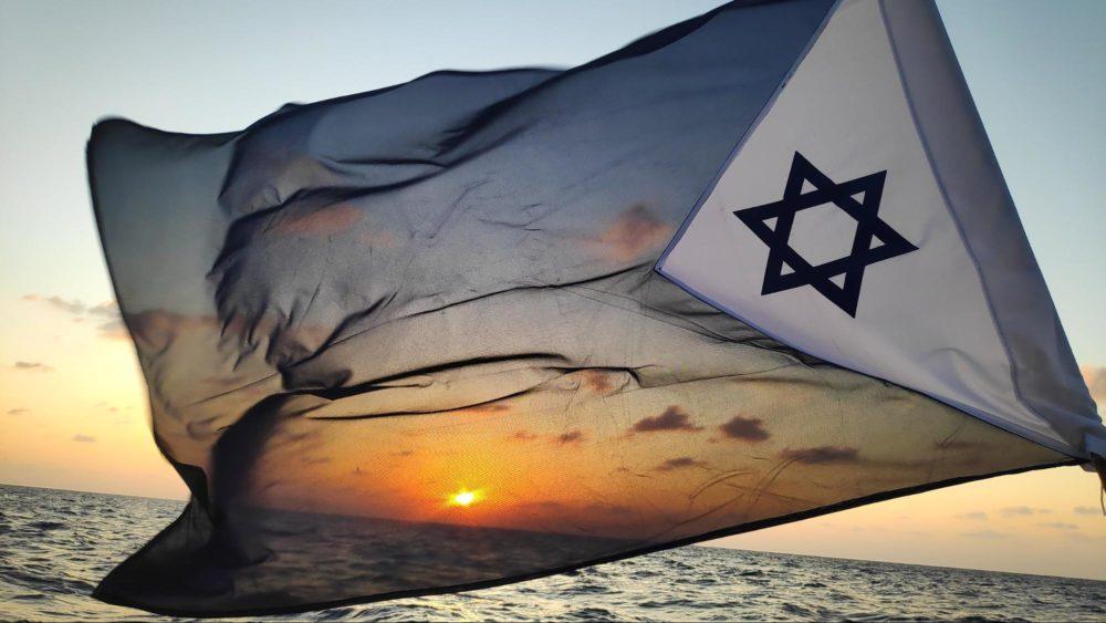 ספינות המשט הראשונות בקטגוריית ORC 1 מתחילות להגיע לקו הסיום בחיפה - שיוט הערים ה-63 (צילום: קהילת שייטי הכרמל)