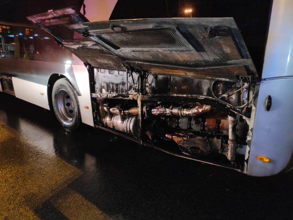 המטרונית עלתה באש במנהרות הכרמל (צילום: לוחמי האש)