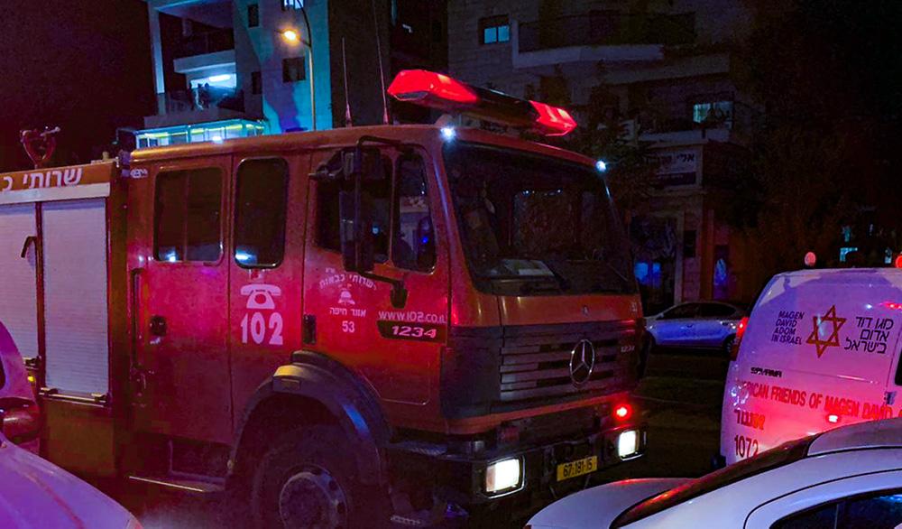 כבאית בזירת שרפה - ארכיון (צילום: לוחמי האש)