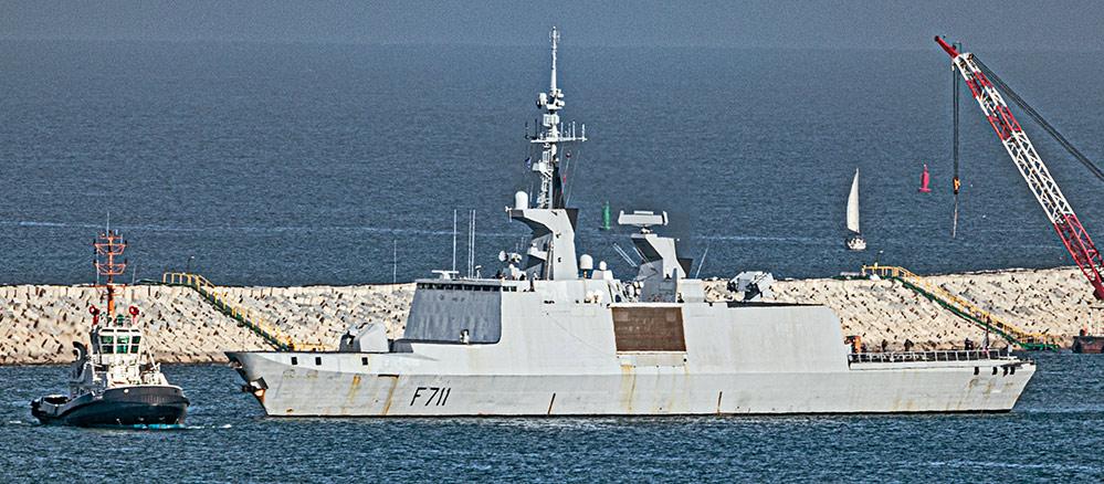 הפריגטה הצרפתית Surcouf F711 עוגנת בנמל חיפה (צילום: אנתוני הרשקו)