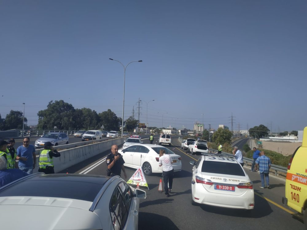 תאונת דרכים קטלנית בכביש 22 (צילום: משטרת ישראל)