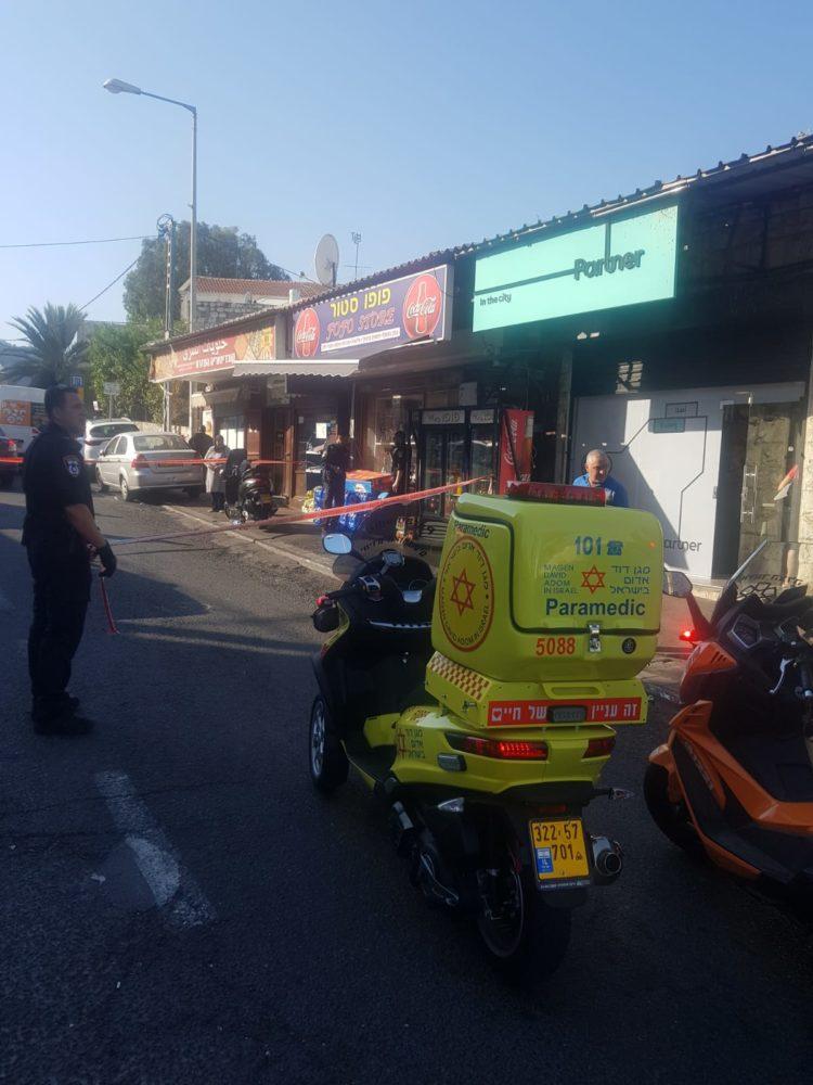 """זירת רצח ברחוב אלנבי בחיפה (צילום: מד""""א)"""