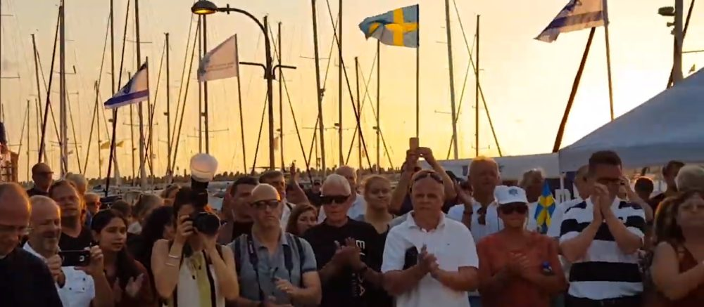 מגטבורג בשבדיה לישראל, להביע אהבה ולתת תמיכה (צילום: gabriel confino)