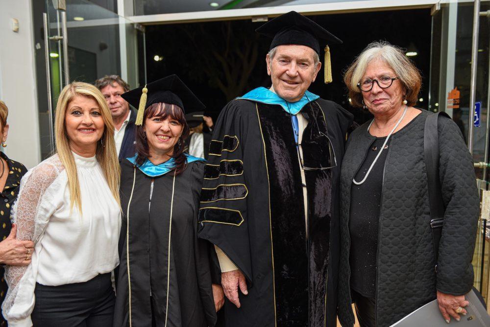 """מימין לשמאל: עמיתת כבוד טליה זאבי, פרופ' יחזקאל טלר, ד""""ר אסנת ארגמן, ליזה שטרית (צילום: דוד שי)"""