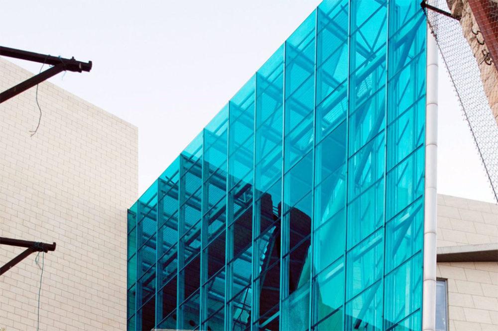 ישן וחדש באדריכלות - עבודתו של הצלם אקי פלקסר