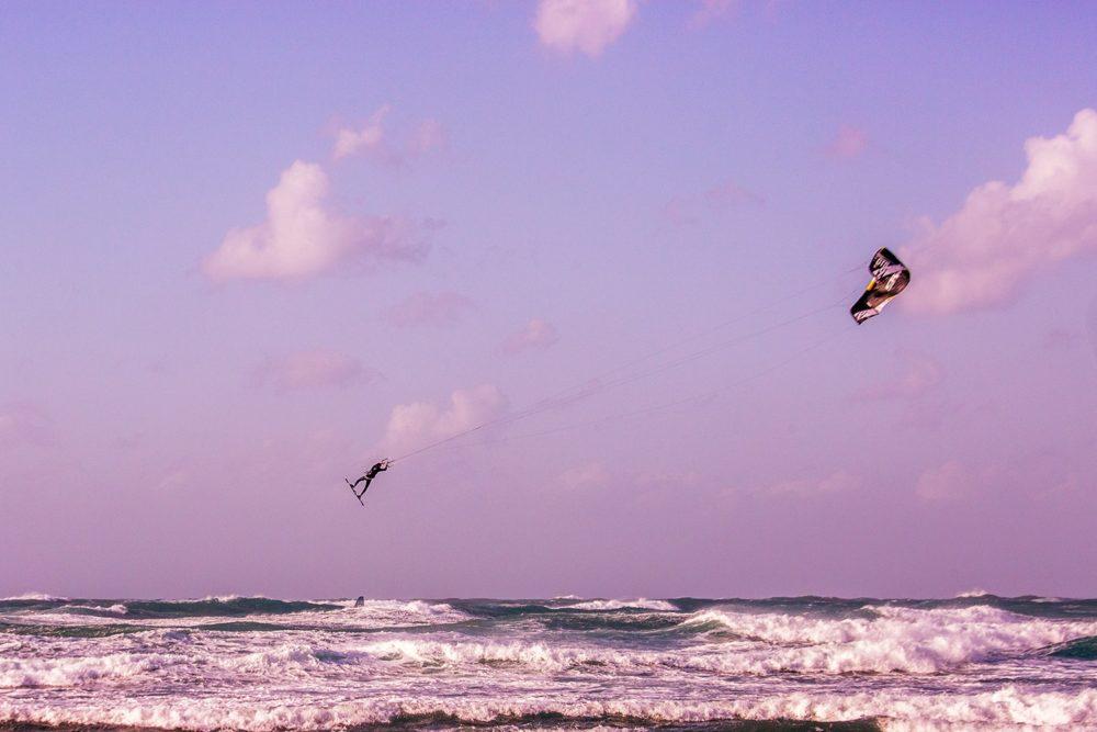 אריאל חכם • הקפצנים - גולשי קייט אשר רכשו מיומנות טכנית להגיע הכי גבוהה שאפשר (צילום: אקי פלקסר)