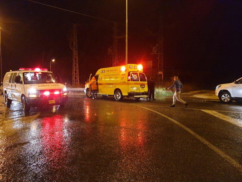 """צעיר שנפגע מפגיעת ברק באזור רמת השופט מאושפז בבית החולים רמב""""ם בחיפה (צילום: מד""""א)"""