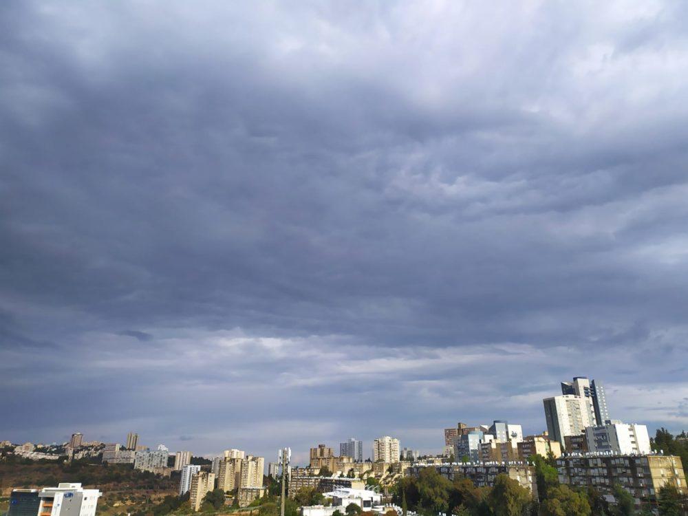 הסערה בנווה שאנן בחיפה (צילום: חגית אברהם)