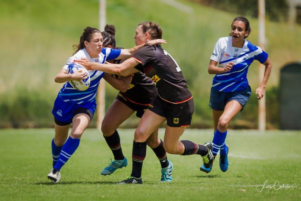 שרה יאקופטי (משמאל) במדי הנבחרת הלאומית של ישראל (צילום: Luís Cabelo)
