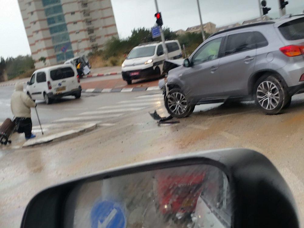 תאונת דרכים הנשיא חיפה (צילום ירון חנן)