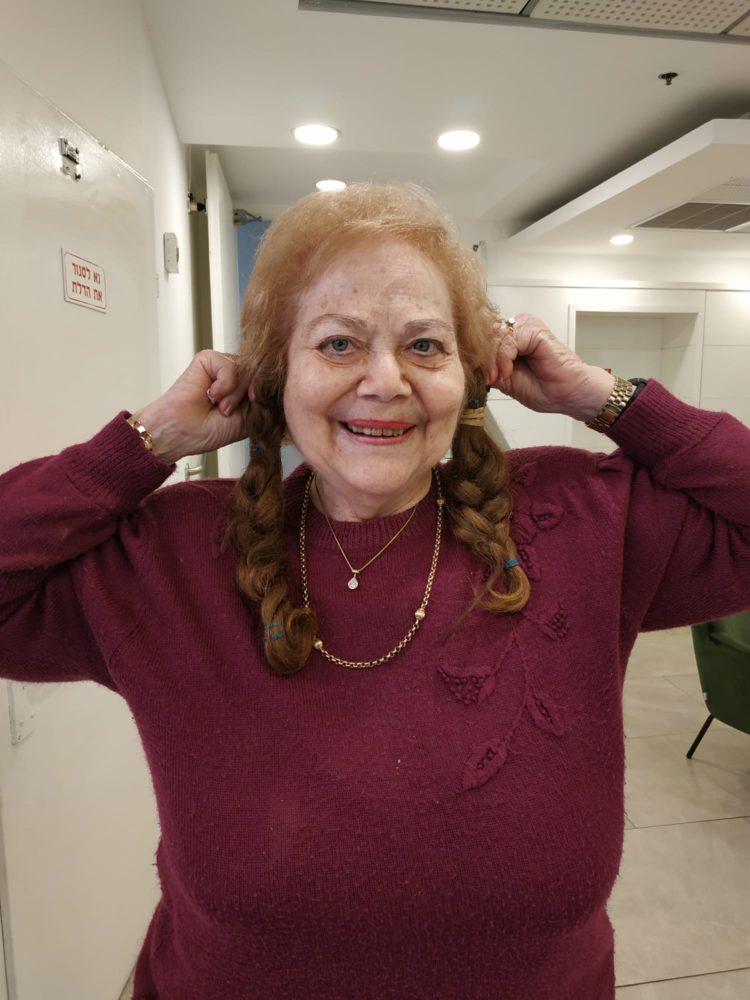 שולה בורכוביץ, עם הצמות (צילום: נורית וינשטוק)