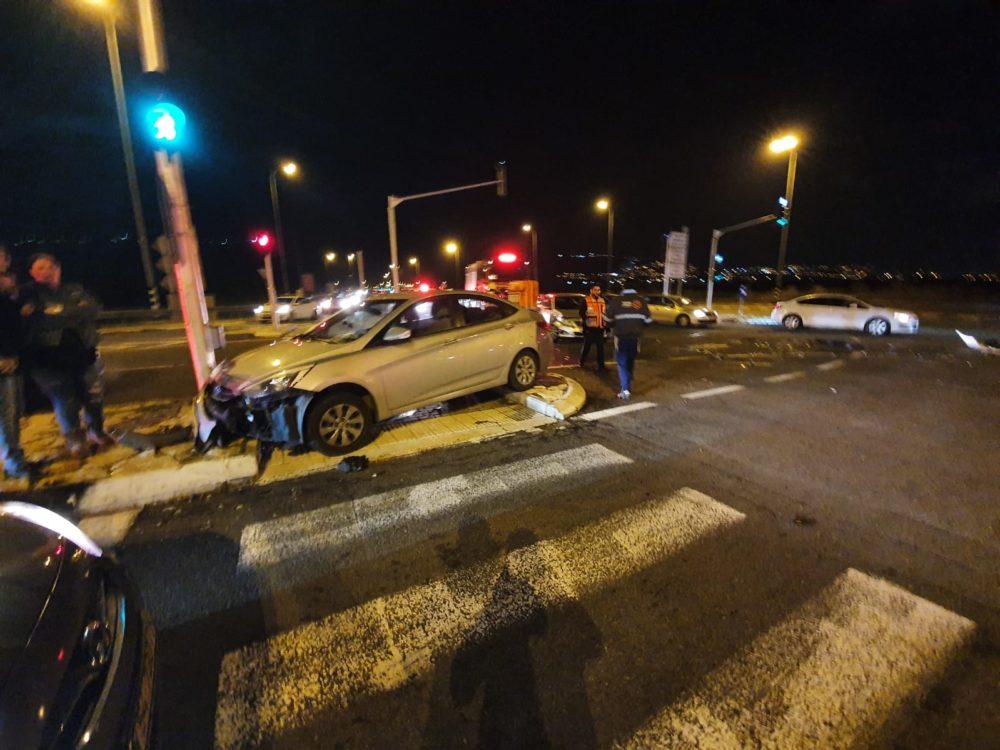 תאונת דרכים בכניסה לכפר חסידים על כביש 70 (צילום: איחוד הצלה)