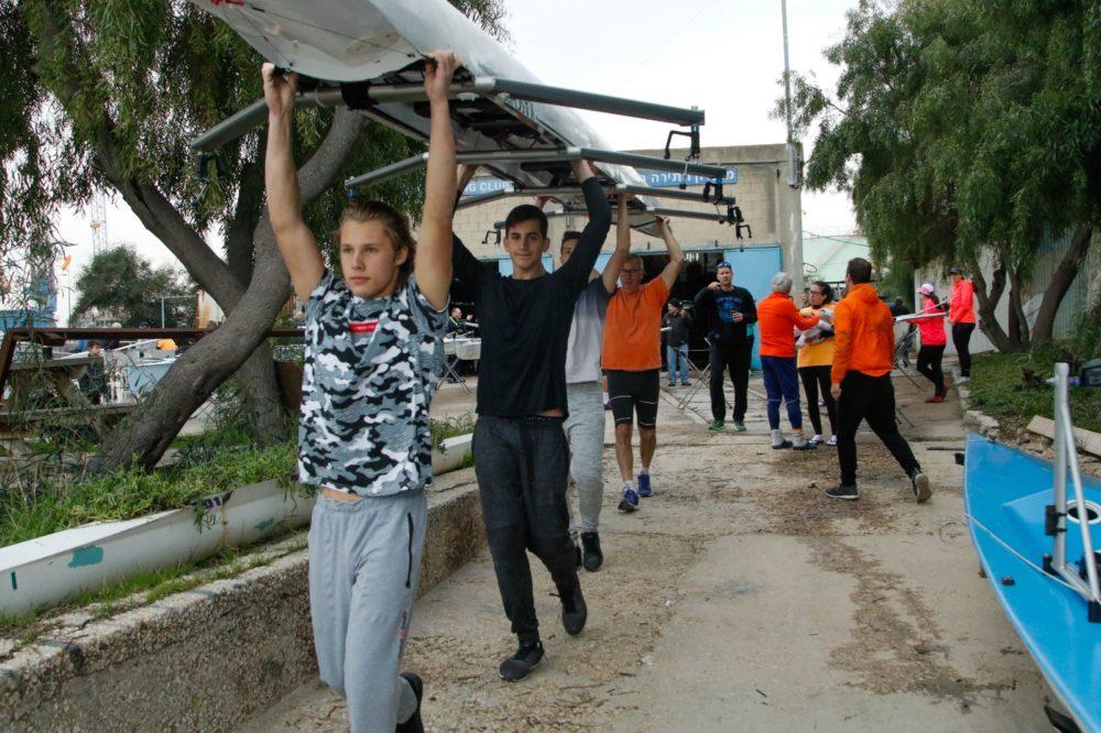 השקת סירות חתירה חדישות במועדון החתירה בחיפה (צילום: שי מזור)