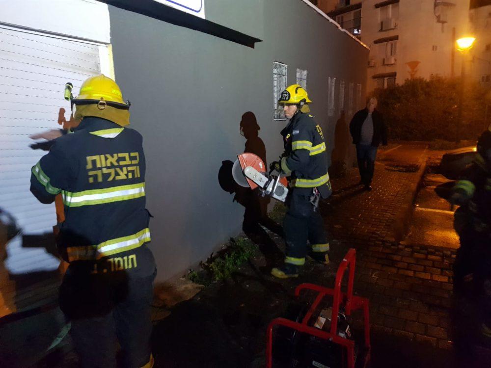 שרפה במועדון ספורט בטירת כרמל (צילום: לוחמי האש)