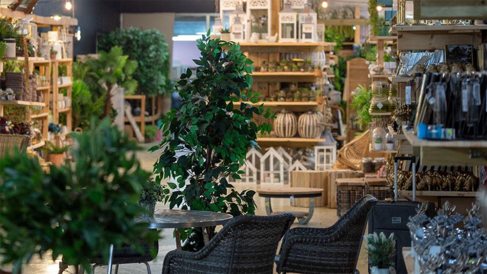 ריהוט גן • מרכז קניות (צילום: ירון כרמי)