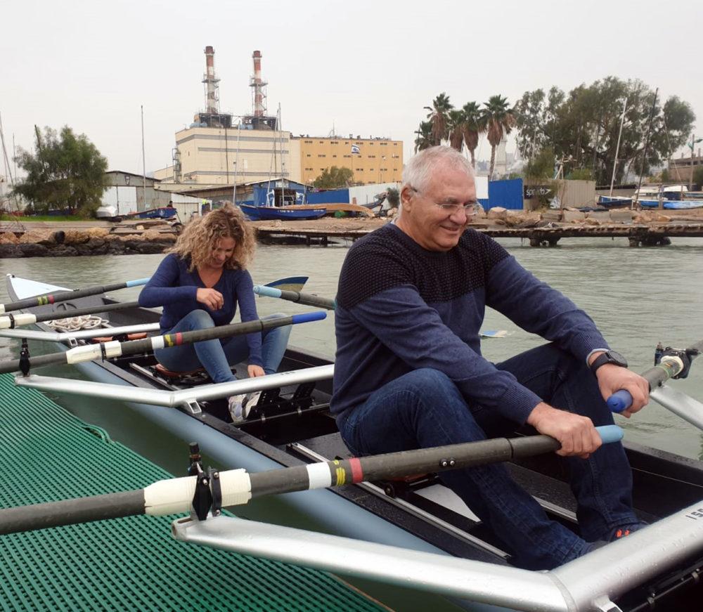 אביהו האן והילה לאופר • השקת סירות חתירה חדישות במועדון החתירה בחיפה (צילום: דודי מיבלום)